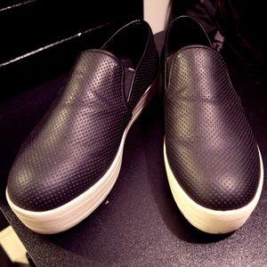 Steve Madden Bouunce Slip-Ons